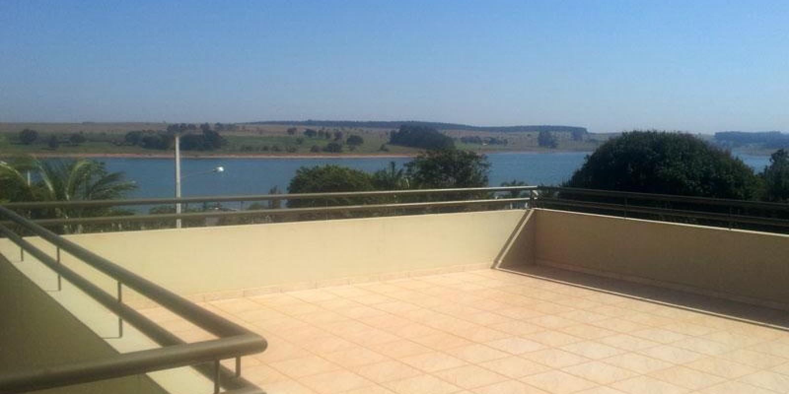 Casa na Represa, no Condomínio Riviera em Arandú SP - Foto 19 de 20