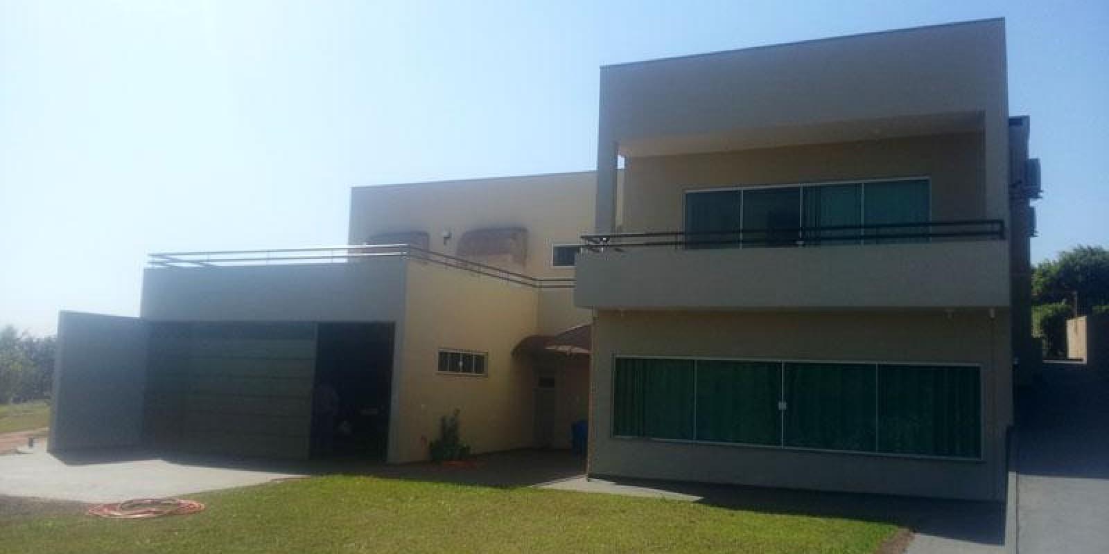 Casa na Represa, no Condomínio Riviera em Arandú SP
