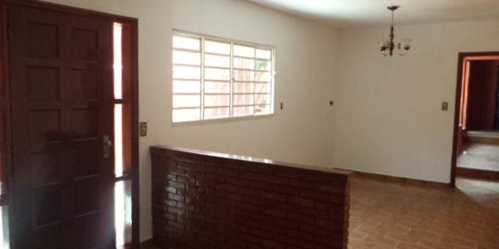 Casa Residencial e Comercial no Bairro Vila Martins III em Avaré SP - Foto 13 de 14