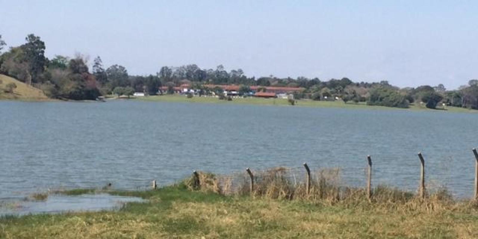 Terreno na Represa Pé na Água Arandu SP