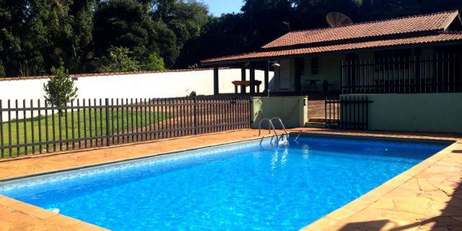 Casa MOBILIADA na Represa no Portal do Catavento em Arandu SP