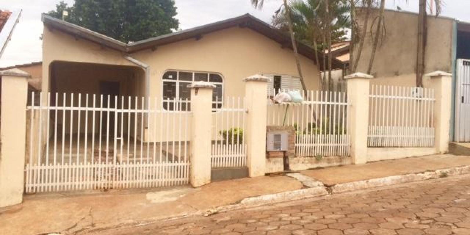 Casa em Arandu SP no Bairro Teto