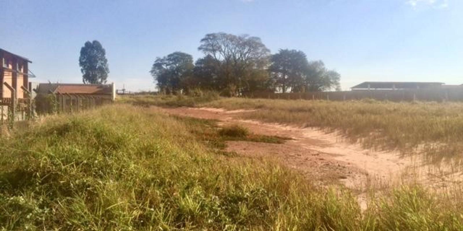 Terreno na rodovia SP 255 - Foto 3 de 5