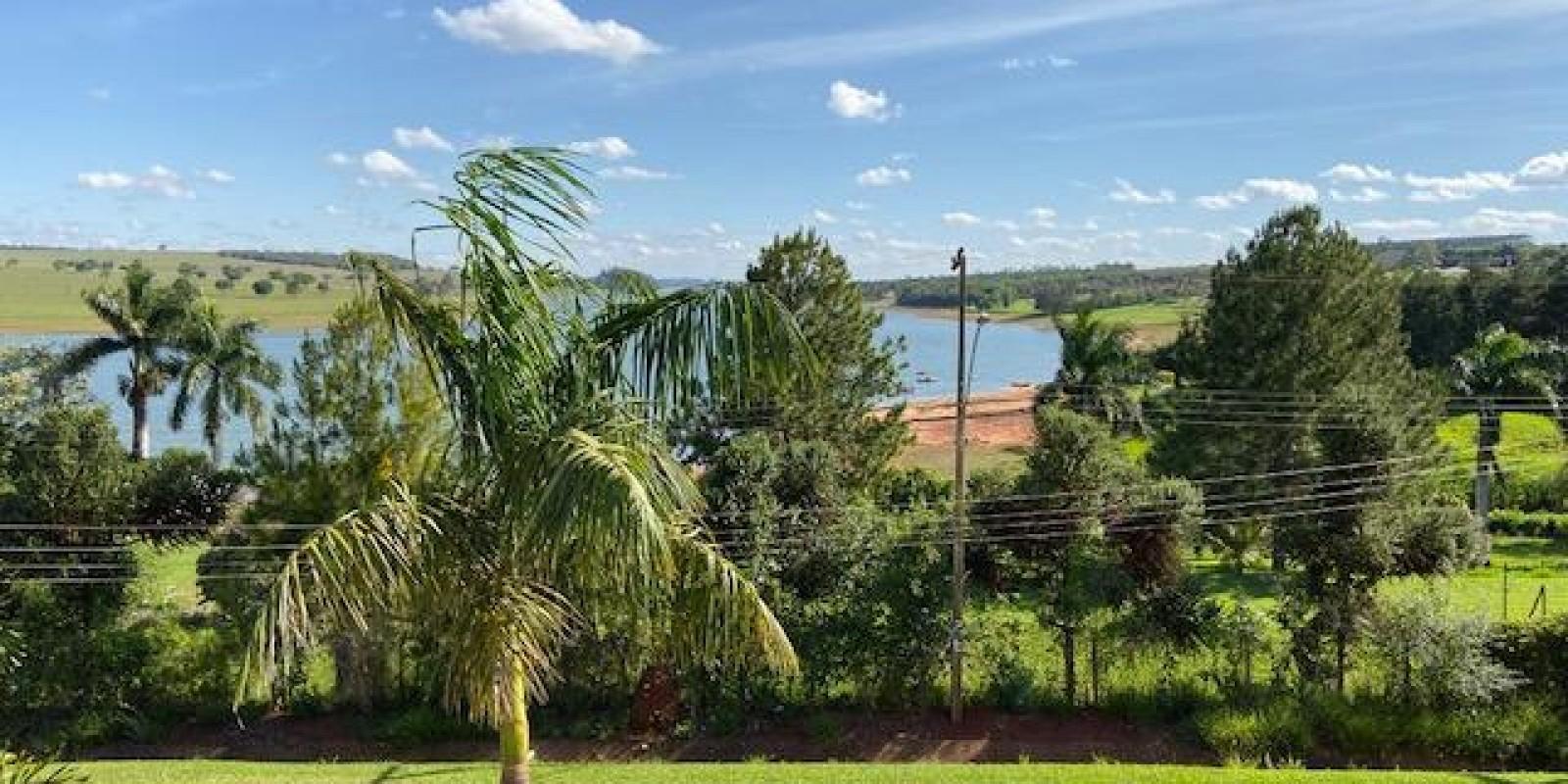 Casa na Represa Condomínio Estribo em Avaré SP