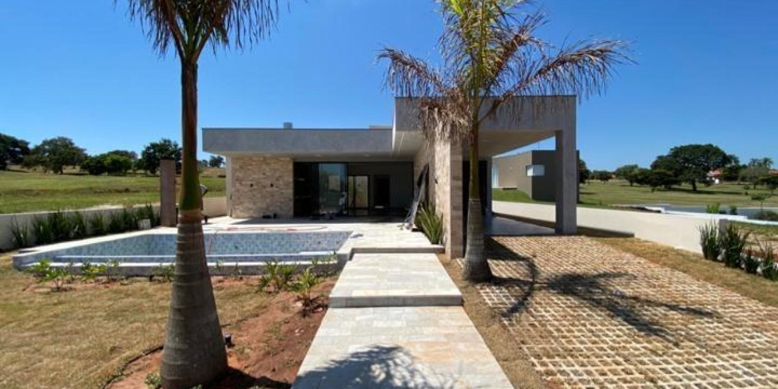Casa na Represa no Condomínio Reviera de Sta Cristina XIII