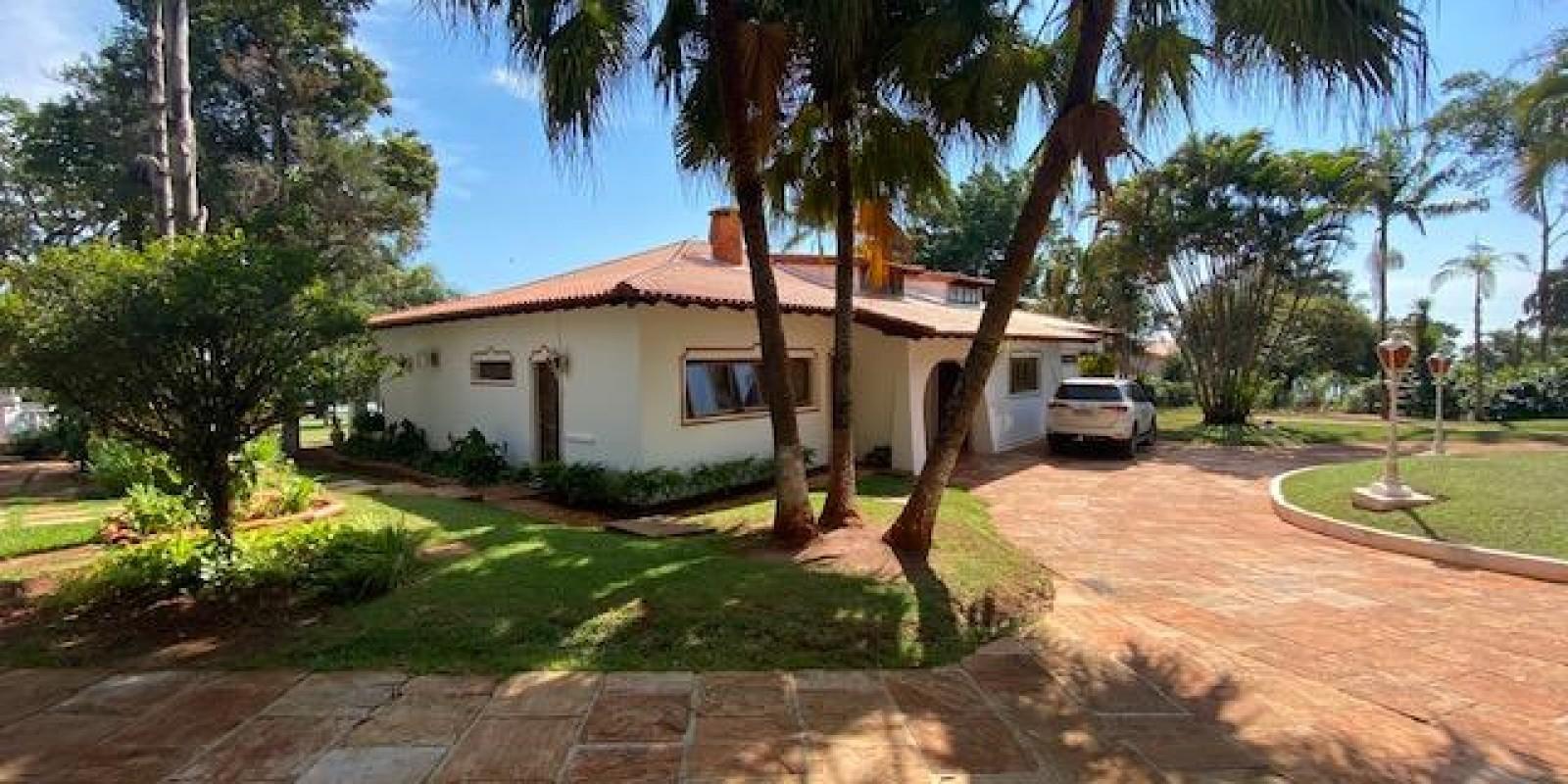Casa Pé na Areia na Represa Condomínio Parque Náutico em Avaré SP - Foto 2 de 53