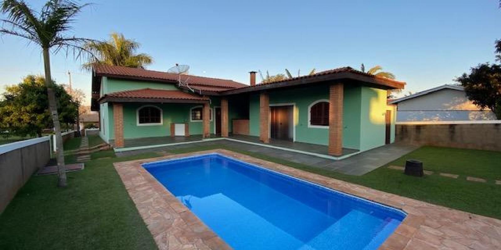 Casa na Represa no Condomínio Reviera de Sta Cristina I em Arandu Sp