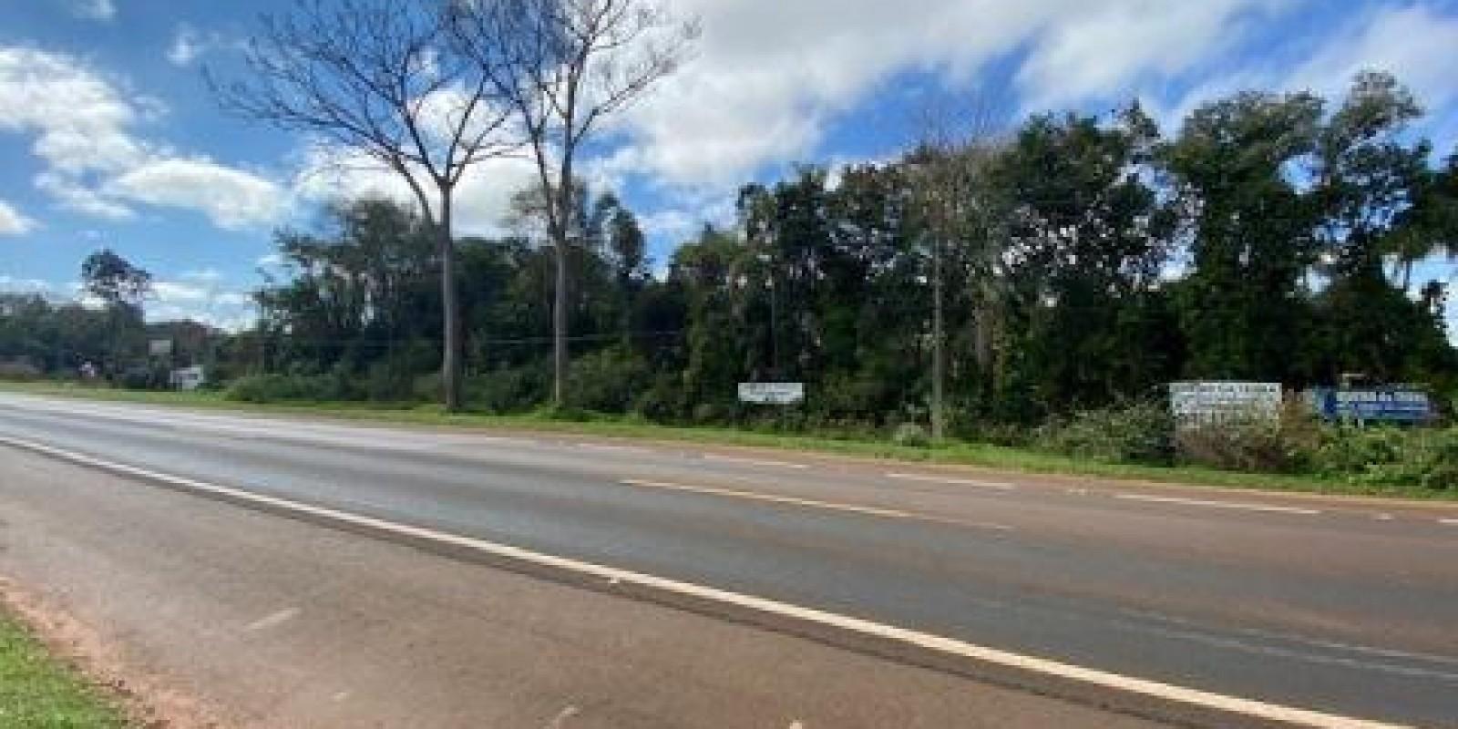 Chácara Comercial a Beira da Rodovia Sp 255 em Avaré SP - Foto 11 de 18