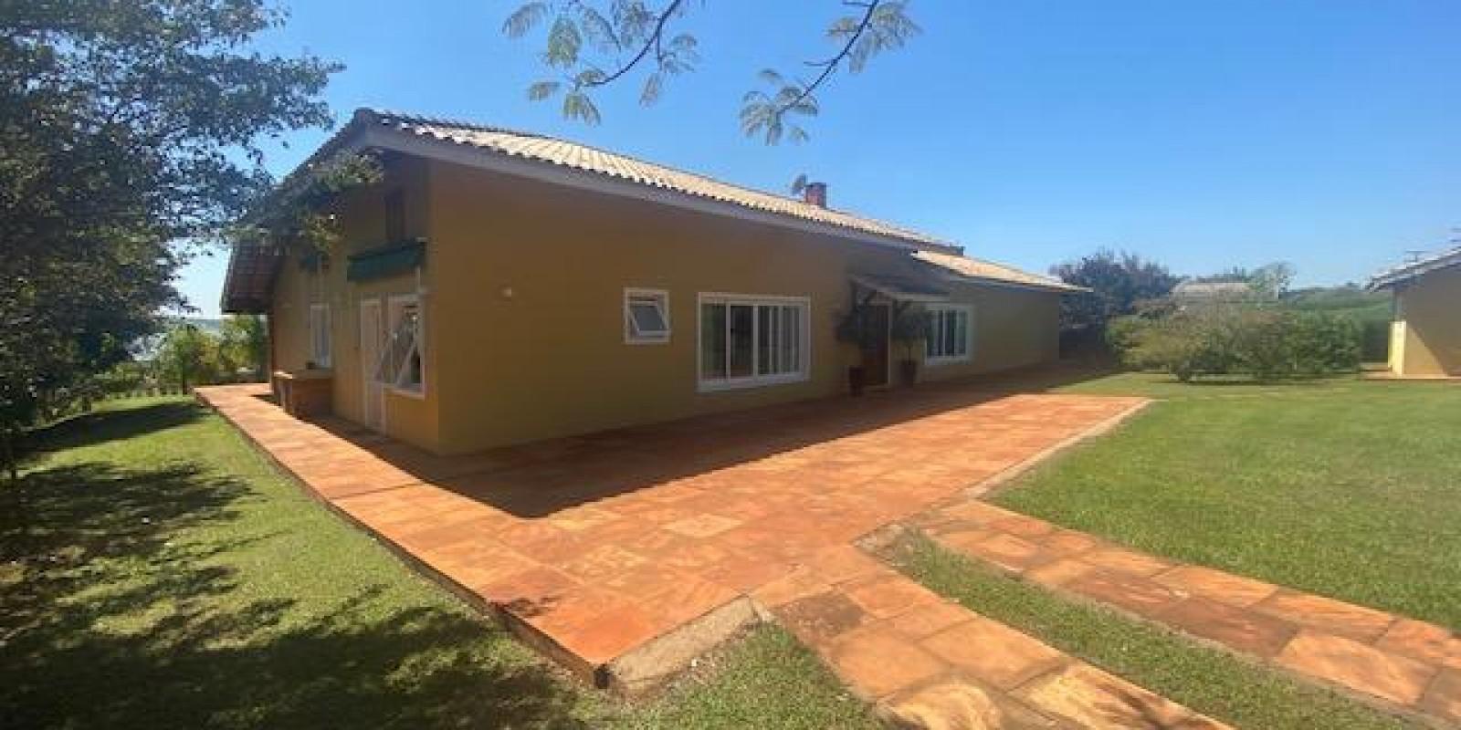 Casa na Represa no Condomínio Parque Náutico em Avaré SP  - Foto 1 de 57