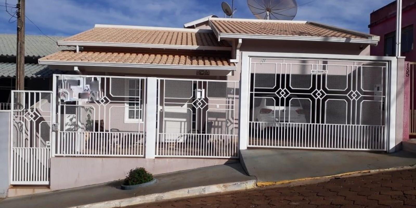 Casa no Centro de Taquarituba SP
