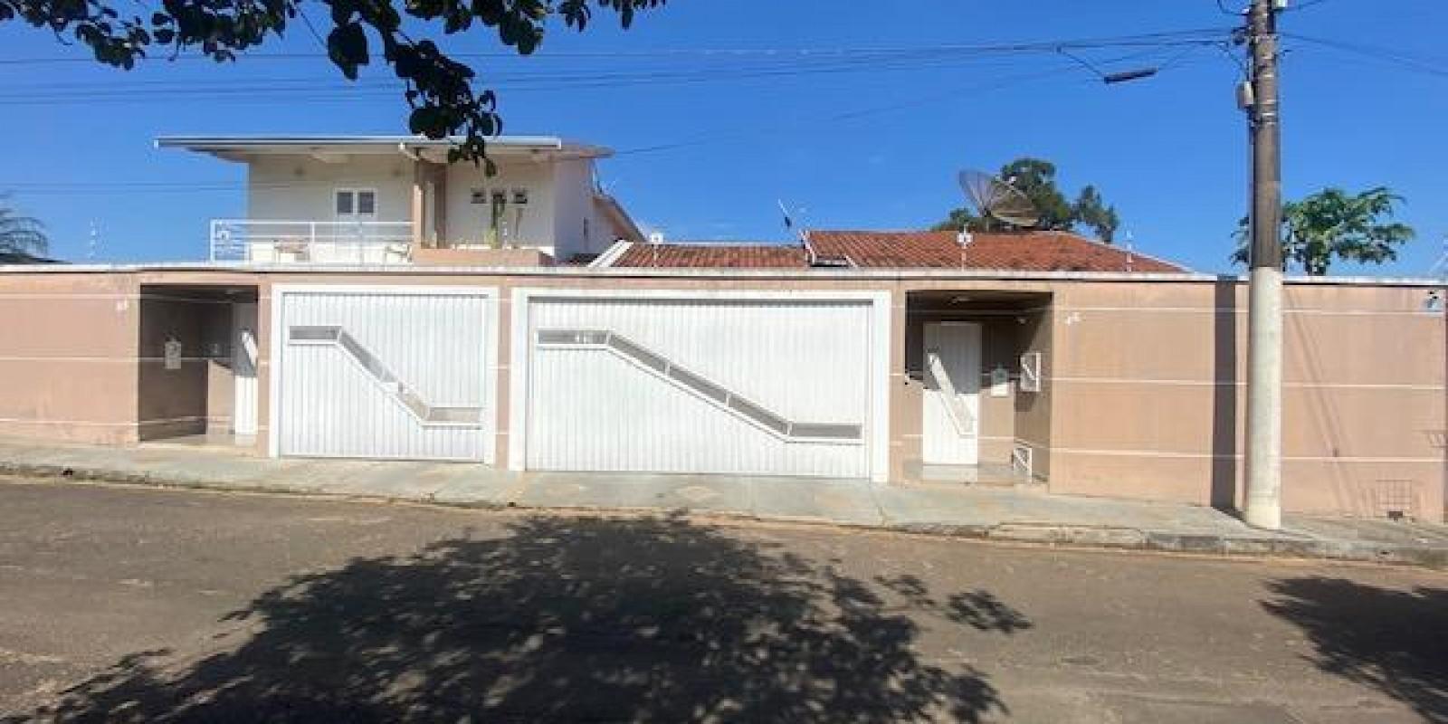 Casa Conjugada com Sobrado no Jd Boa Vista em Avaré SP