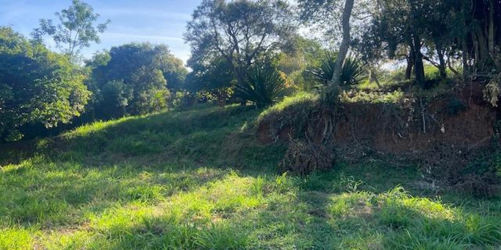 Terreno a Venda na Represa Cond Portal do Catavento em Arandu SP - Foto 1 de 9